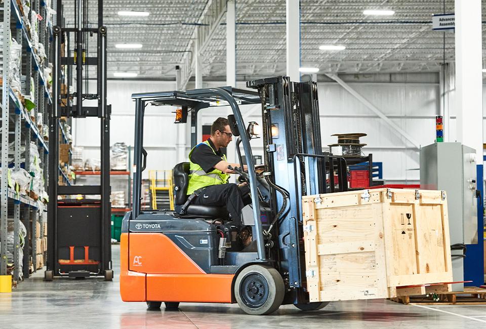 Toyota 3-wheel Forklift